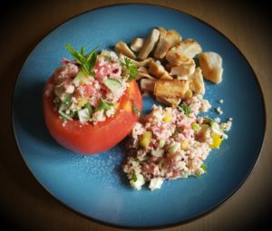 >Tomates farcies au couscous de fleurs